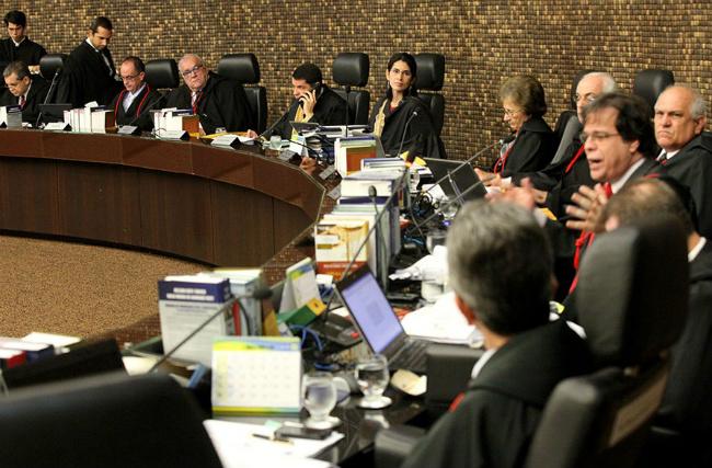 O processo foi relatado pelo desembargador Tutmés Airan e decidido por maioria no Pleno do TJAL