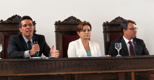 O procurador Luciano Vieira, a desembargadora Janete Vargas Simões e o juiz Anselmo Laghi Laranja falaram sobre alternativas de cobrança ao processo de execução fiscal